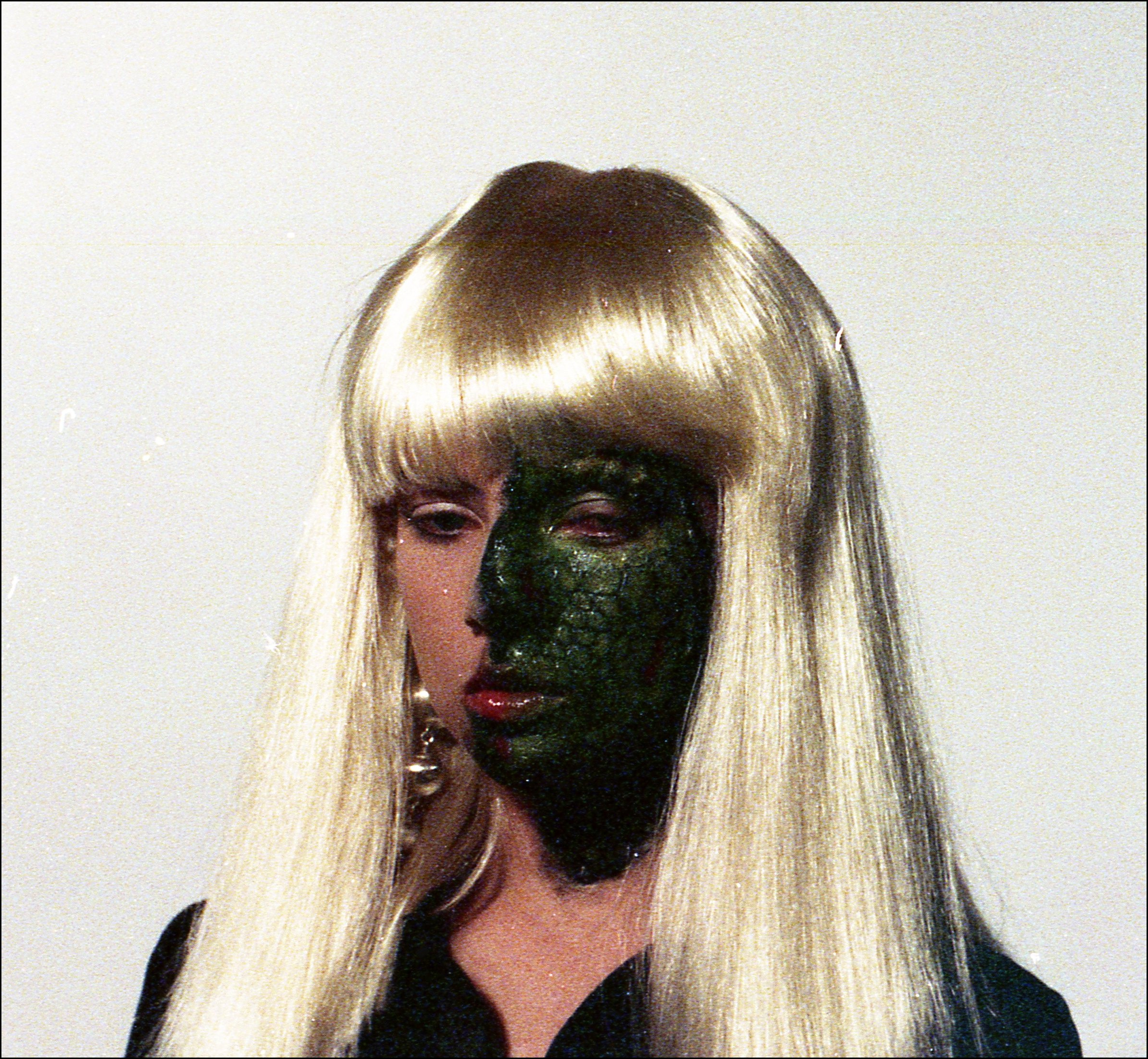 Tracy Lords as alien